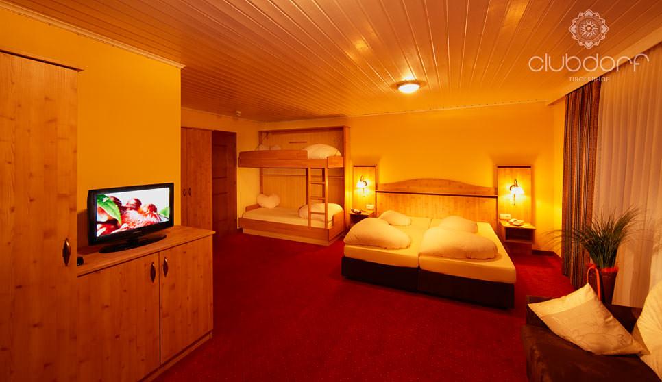 Clubdorf Hotel Tirolerhof Gries   See